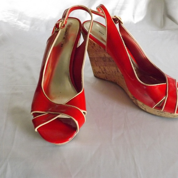 73f749919710 Tommy Hilfiger Shoes - Tommy Hilfiger Womens Cork Wedge Heels Size 9M RED